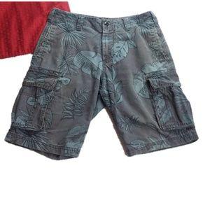 GAP Mens Lived In Leaf Cargo Shorts Size 32